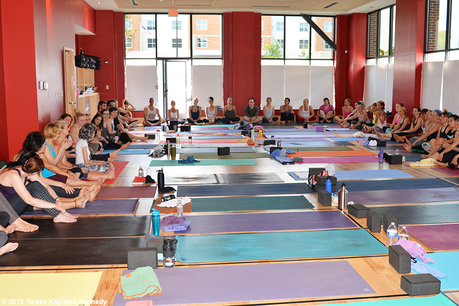 96-year-old yoga master Tao Porchon-Lynch teaching at Breathe Yoga in Rochester, NY - July 2015