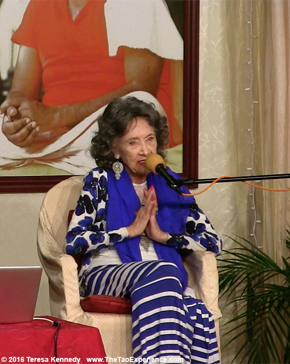 97-year-old Yoga Master Tao Porchon-Lynch at Conversation with a Master event, Sivananda Ashram Yoga Retreat Bahamas – January 8, 2016