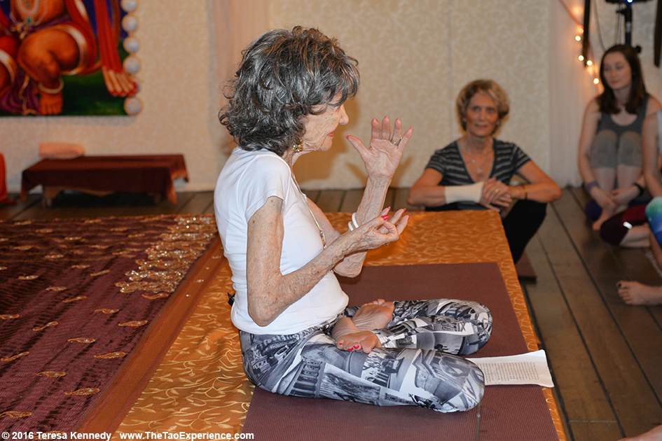 97-year-old Yoga Master Tao Porchon-Lynch teaching at Sivananda Ashram Yoga Retreat Bahamas – January 10, 2016
