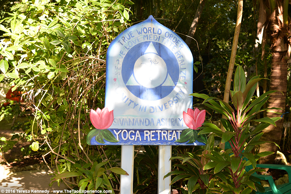 Sivananda Ashram Yoga Retreat Bahamas – January 7, 2016