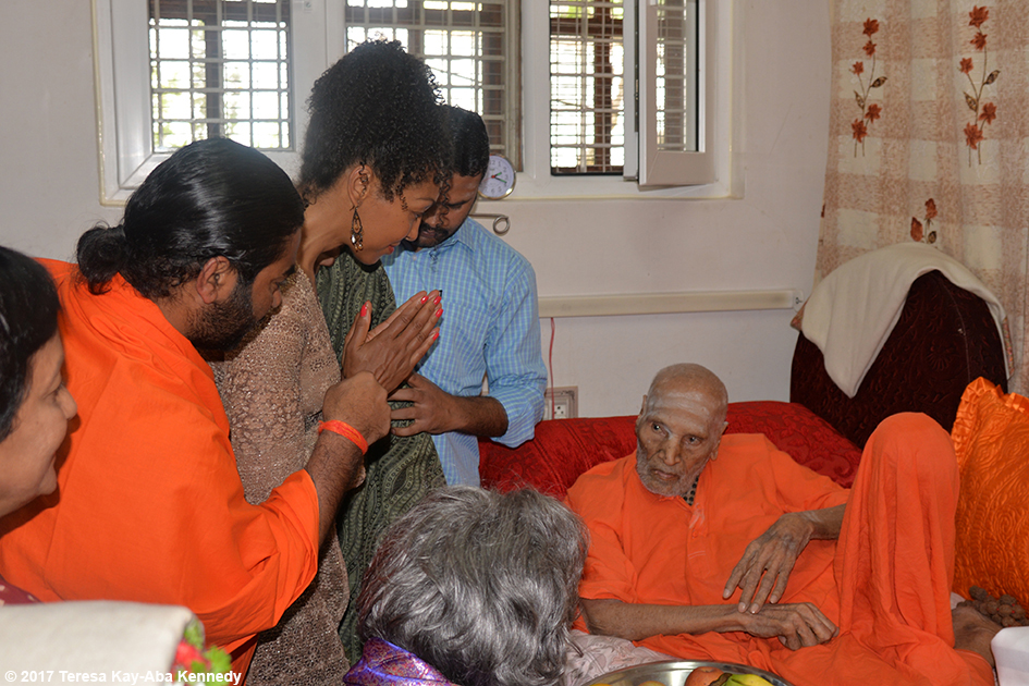 Teresa Kay-Aba Kennedy with Shwaasa Guru and 98-year-old yoga master Tao Porchon-Lynch meeting 110-year-old Shivakumara Swami in Karnataka, India - June 23, 2017