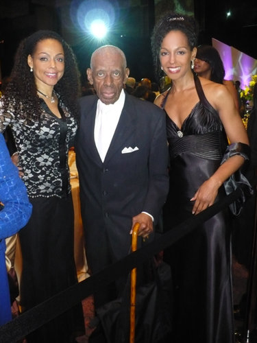 Sheila Kennedy Bryant, Jesse Hill, Jr. and Teresa Kay-Aba Kennedy at the 2010 Salute To Greatness Dinner in Atlanta, GA
