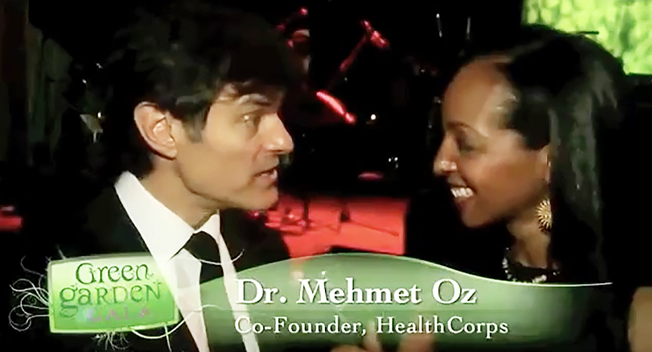 Teresa Kay-Aba Kennedy interviewing Dr. Mehmet Oz at the HealthCorps Green Garden Gala in New York - April 20, 2009