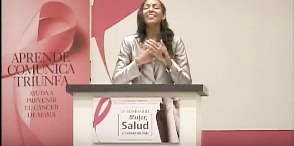 Teresa Kay-Aba Kennedy speaking at the Seminario 2010 de Salud, Mujer y calidad de Vida in Santiago, Chile