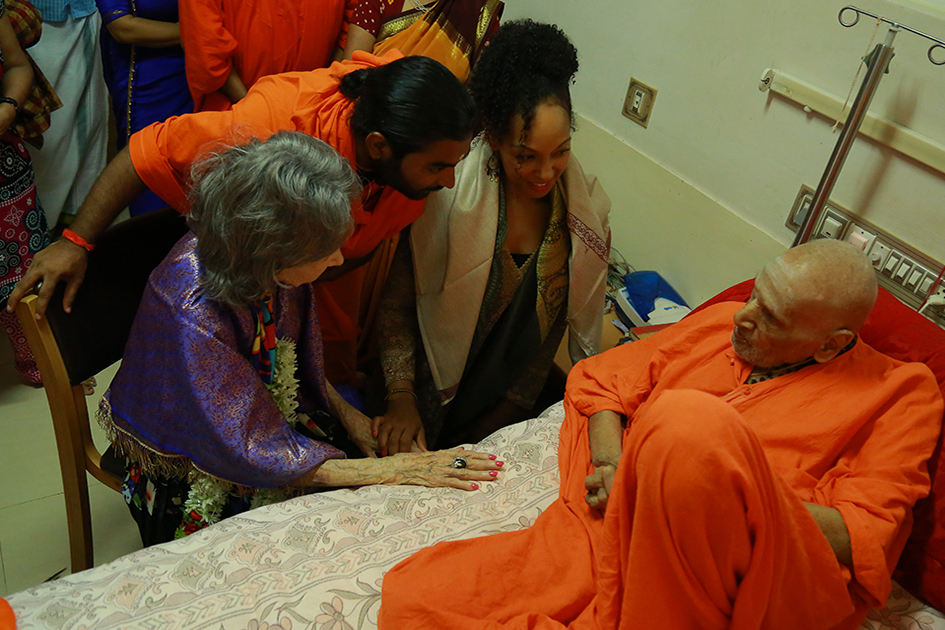 Teresa Kay-Aba Kennedy with Shwaasa Guru and 98-year-old yoga master Tao Porchon-Lynch meeting 110-year-old Shivakumara Swami in Karnataka, India - June 23, 2017