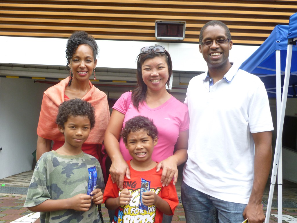 Teresa Kay-Aba Kennedy with cousin Keith Carter and his family living in Singapore - October 2012